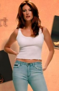 angie-everhart2