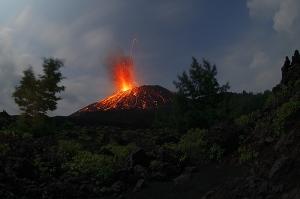 anak-krakatau-2009-eruption-mf2170